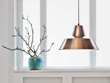 Die Workshop Lamp von Made by Hand ist eine Industrieleuchte, die elegantes Design mit ausgereiftem Ausleuchten verbindet.