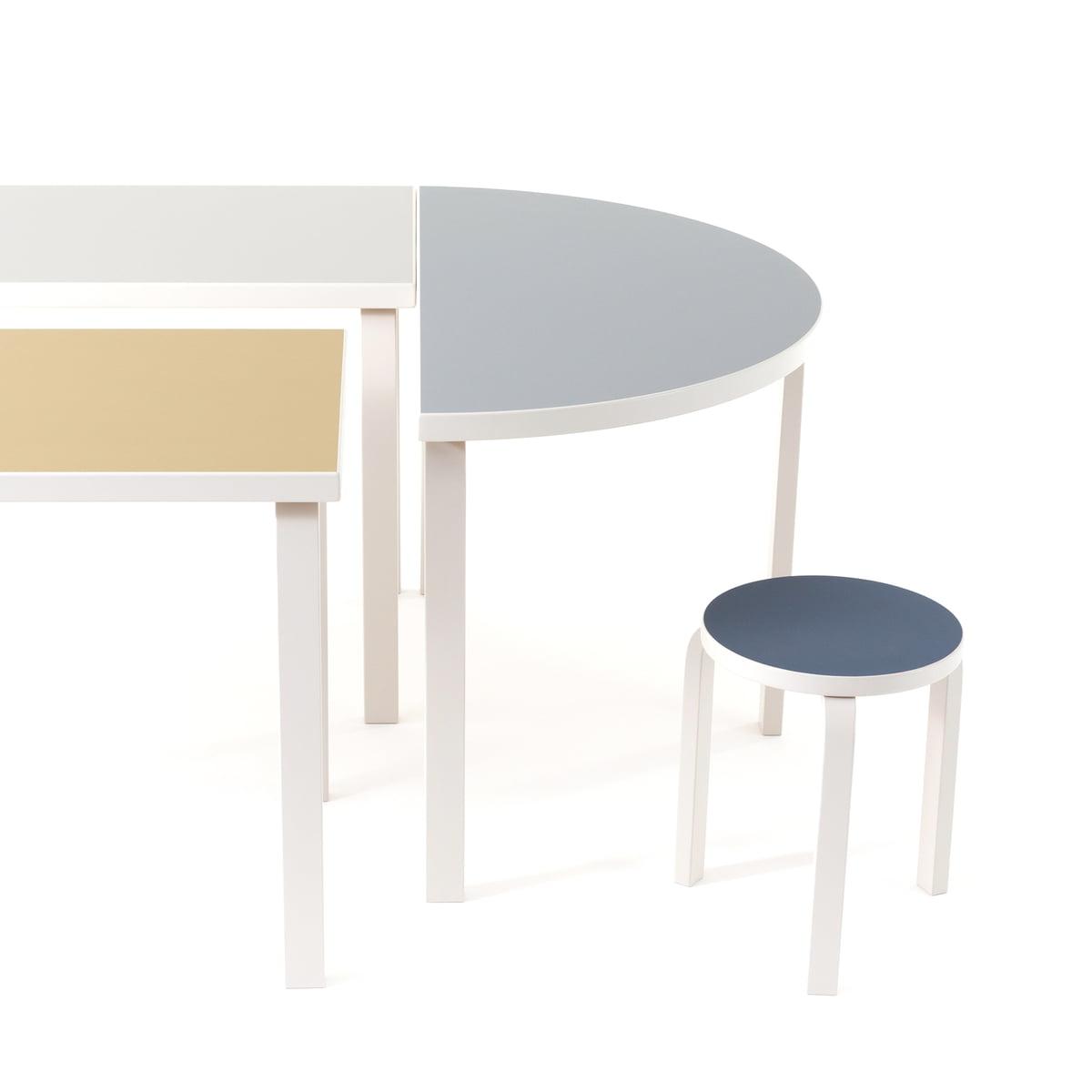 95 tisch von artek. Black Bedroom Furniture Sets. Home Design Ideas
