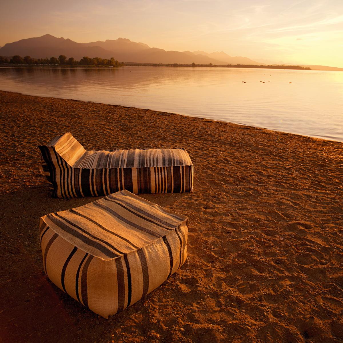chill hocker weish upl. Black Bedroom Furniture Sets. Home Design Ideas