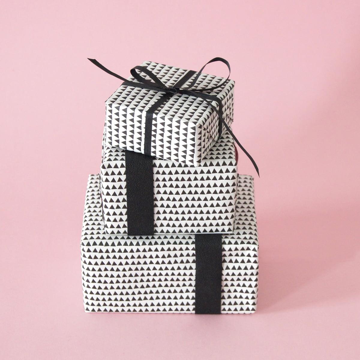 design geschenkpapier von karte bei. Black Bedroom Furniture Sets. Home Design Ideas