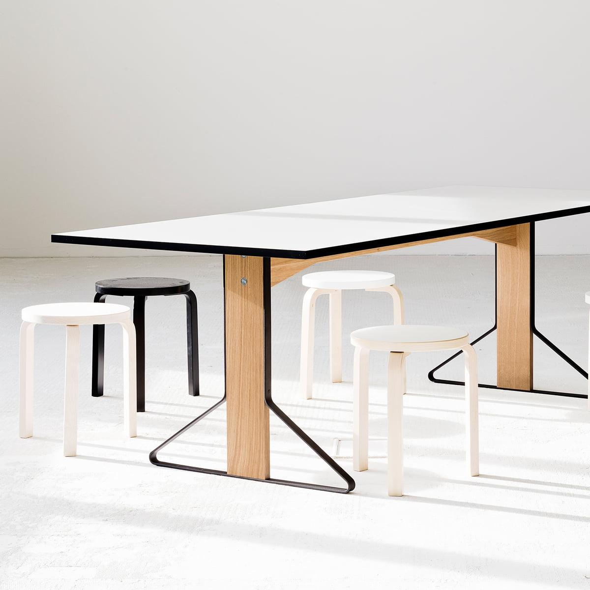 reb 001 kaari tisch von artek bei. Black Bedroom Furniture Sets. Home Design Ideas