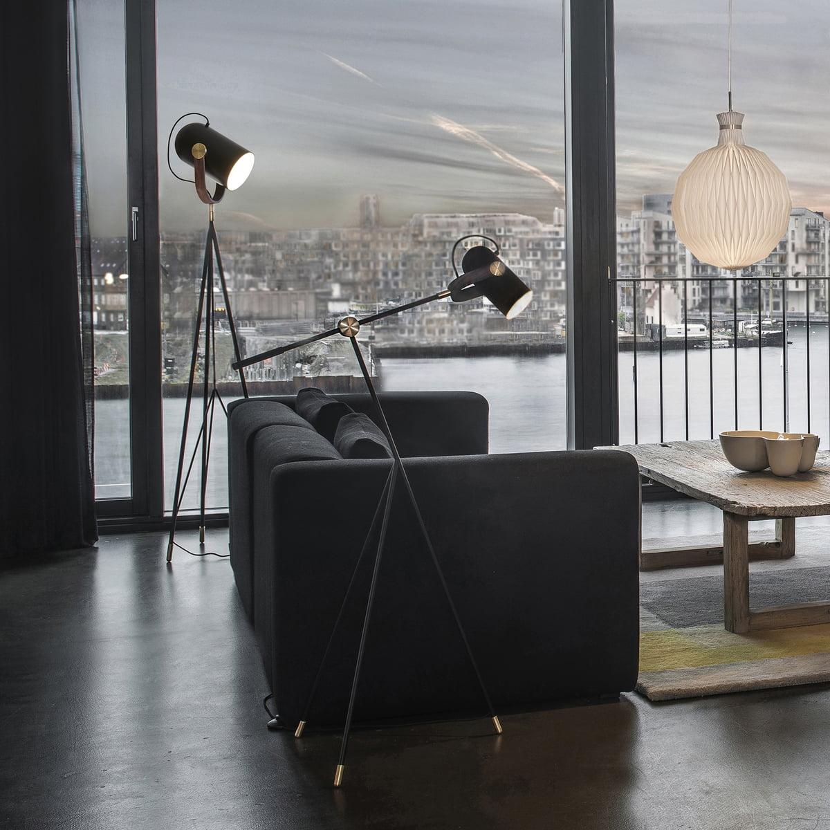 tripod leuchte carronade von le klint bei. Black Bedroom Furniture Sets. Home Design Ideas