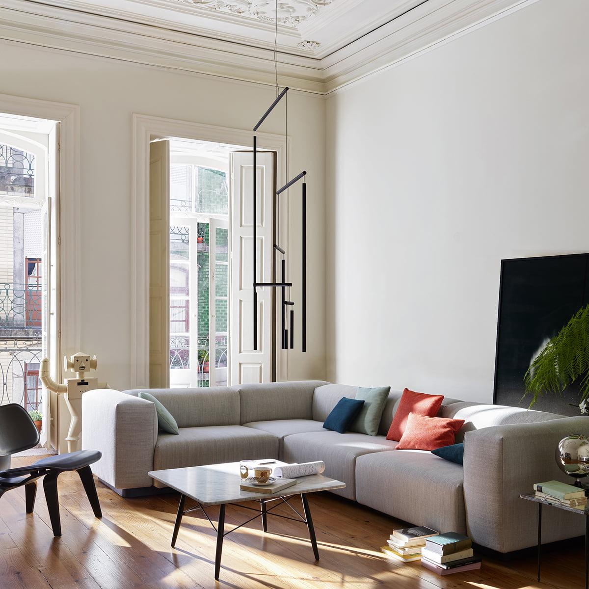 Bodennahes Und Horizontal Ausgeprägtes Sofa · Der Eames Coffee Table ...