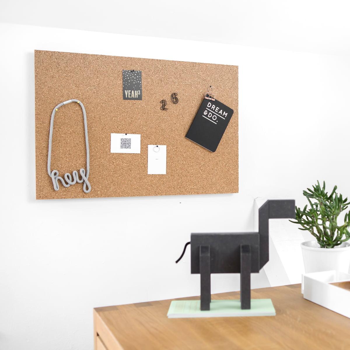 gro e korkpinnwand pure pin von connox. Black Bedroom Furniture Sets. Home Design Ideas