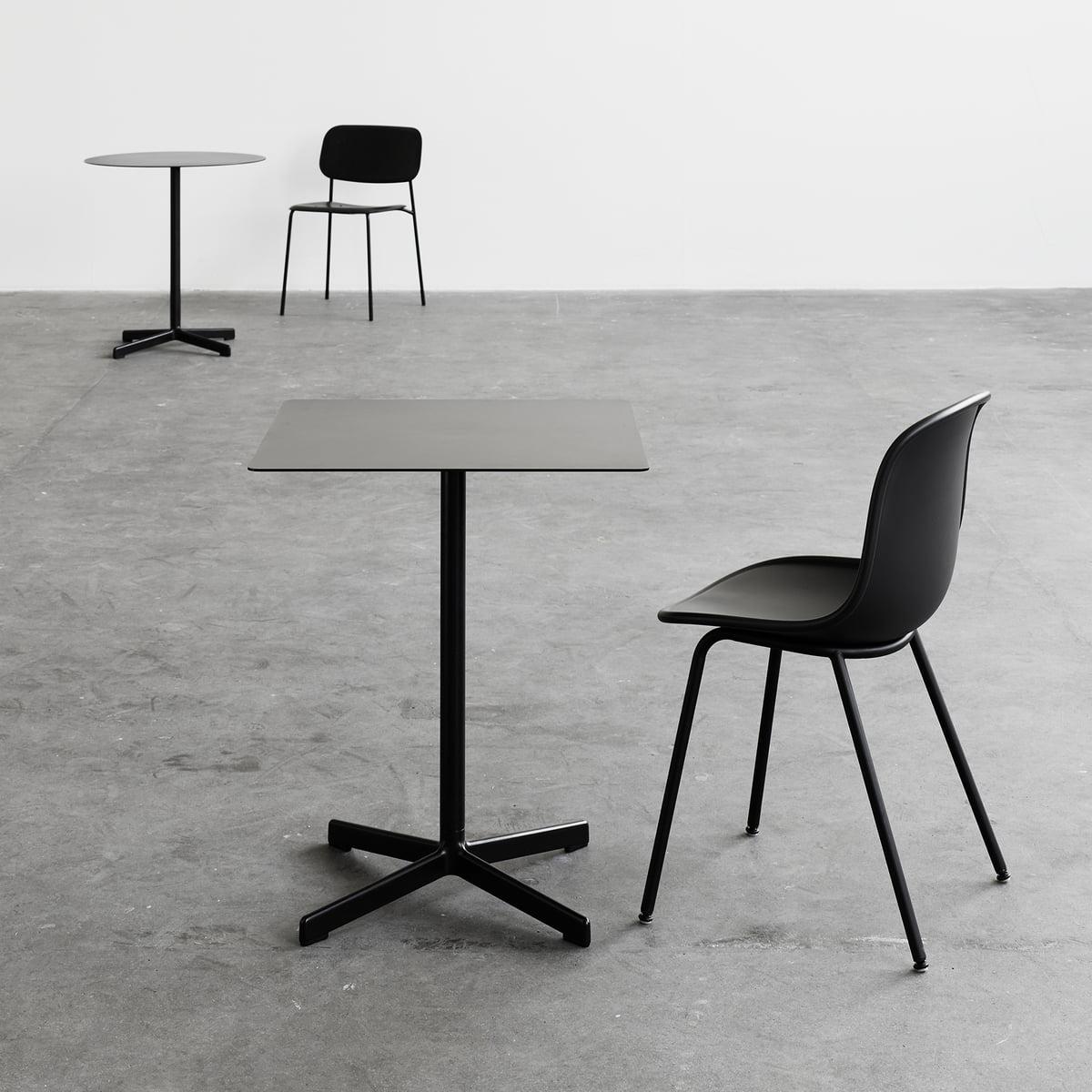 neu tisch quadratisch von hay. Black Bedroom Furniture Sets. Home Design Ideas