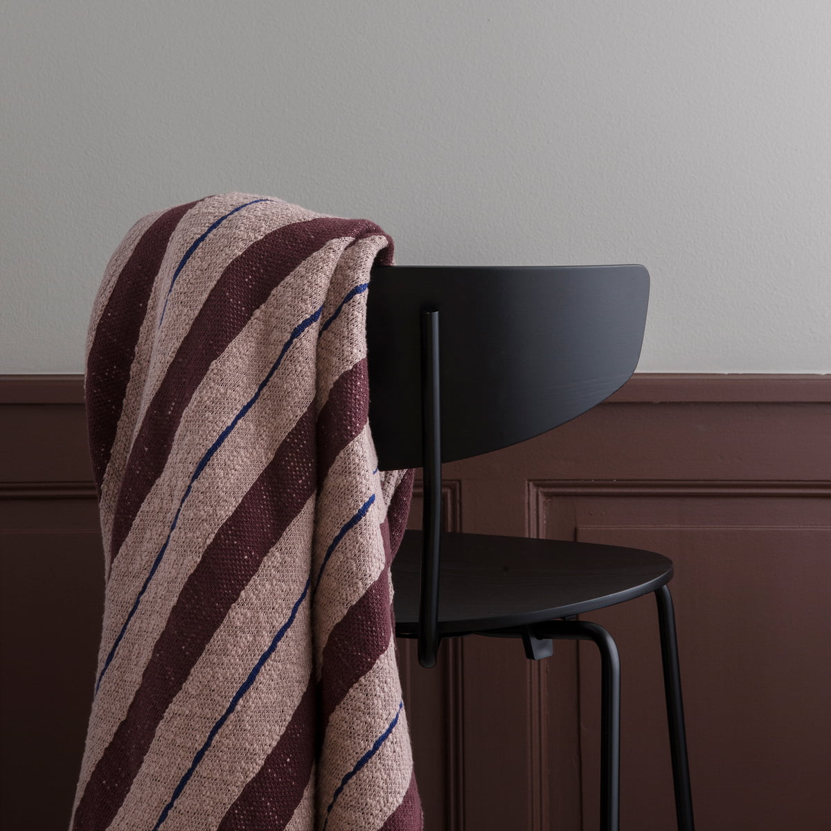 pinstripe decke von ferm living. Black Bedroom Furniture Sets. Home Design Ideas