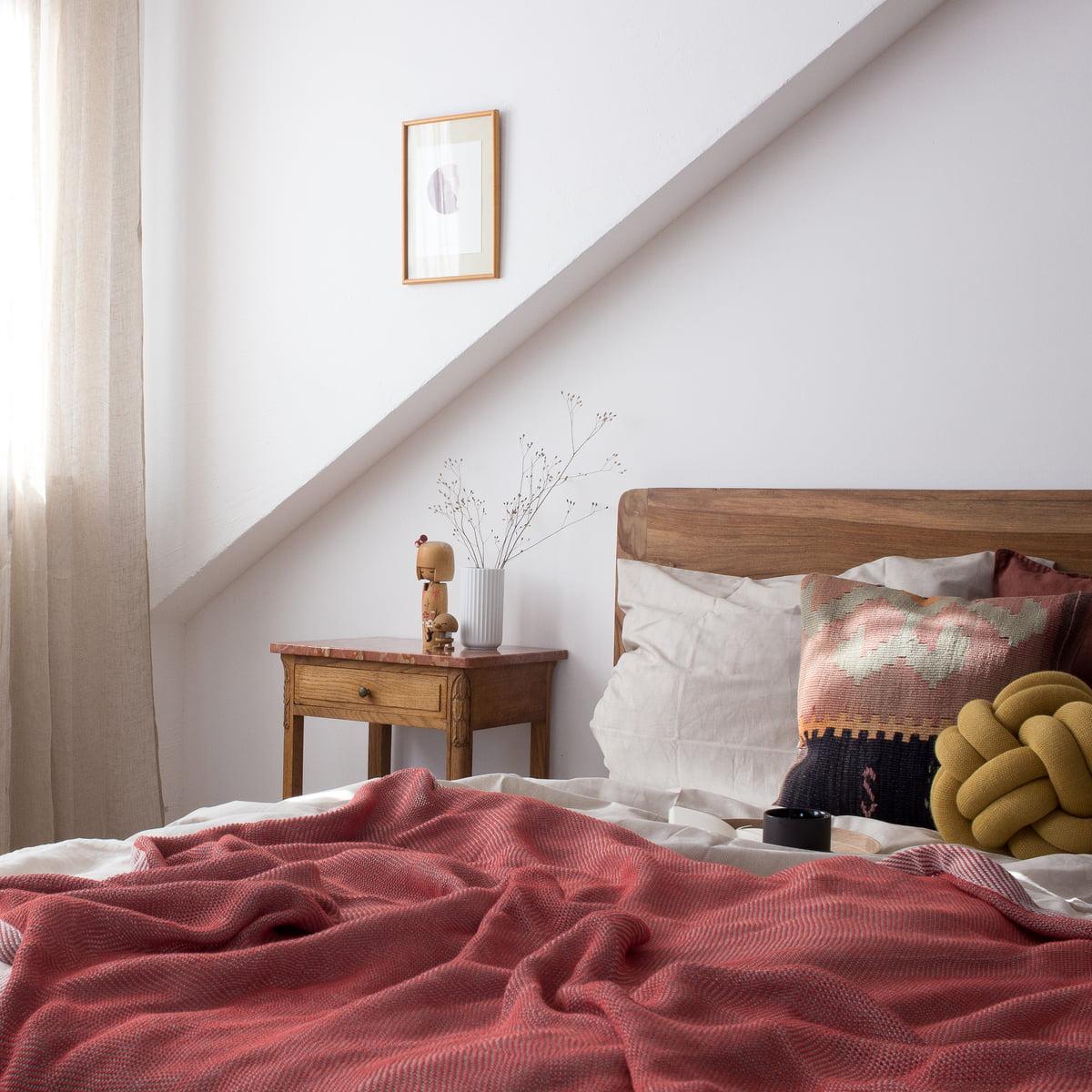 Schlafzimmer Deko Rot: Knot Kissen Von Design House Stockholm