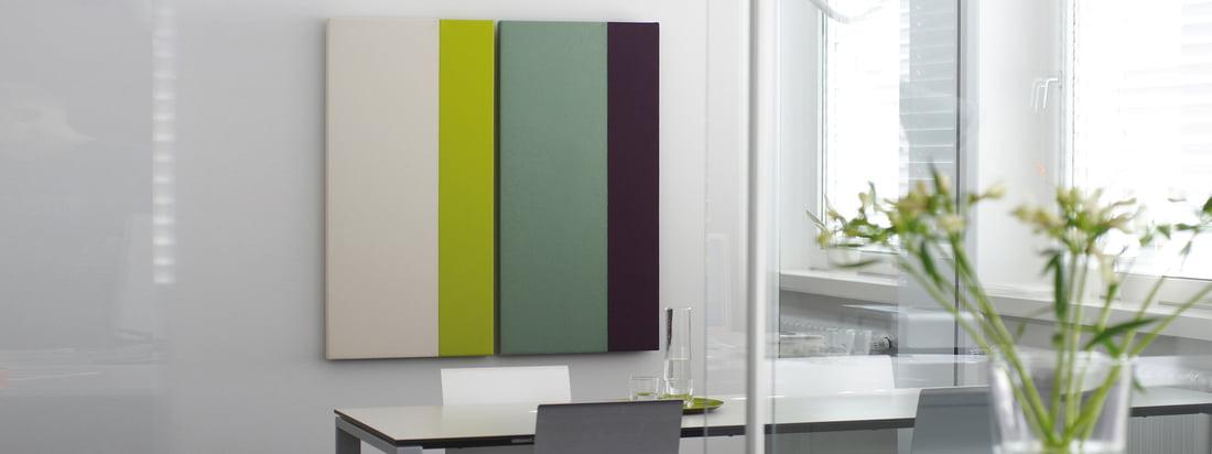 Acousticpearls, ein Designunternehmen aus Bremen, produziert Akustikpaneele mit unterschiedlichen Farbkombinationen. Der Wandschmuck ist als Rechteck und Quadrat verfügbar.