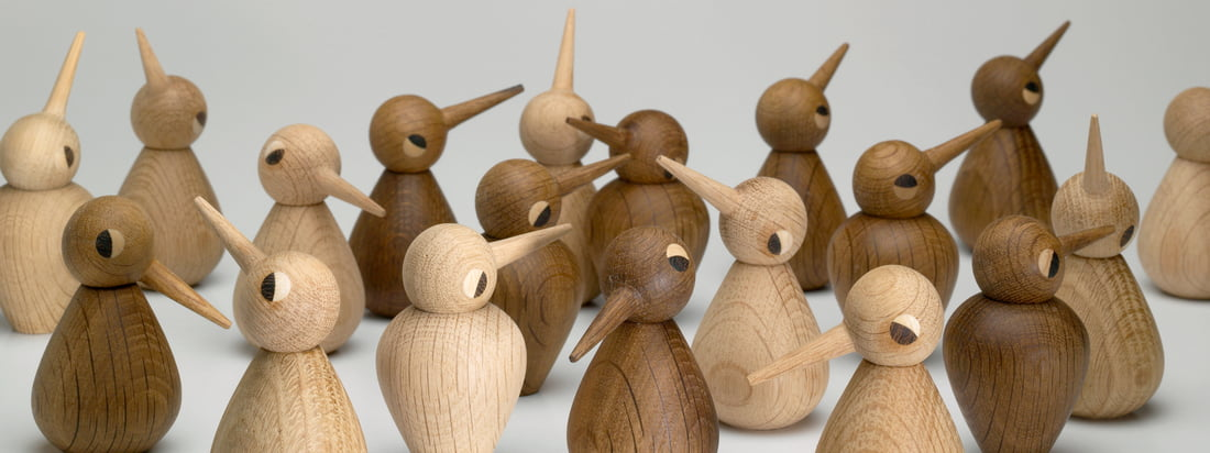 AchitectMade ist unter anderem für seine Holzfiguren bekannt. Die Birds von Kristian Vedel sind in verschiedenen Formen, Grössen und Holztönen verfügbar.