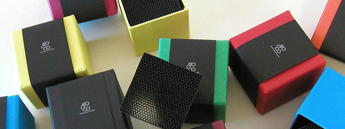 Das Cube Luftreiniger von Chikuno stammt aus Japan. Der schwarze Würfel besteht aus Bambuskohle und reinigt die Luft, ohne dabei selbst einen Geruch zu verbreiten.
