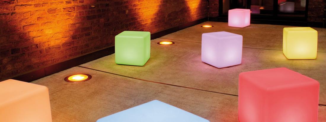 Die Moree Design-Leuchtmöbel sorgen mit ihrem angenehmen, farbigen LED-Licht für ein entspanntes Ambiente. Der Cube kann als Tisch oder Sitzobjekt genutzt werden.