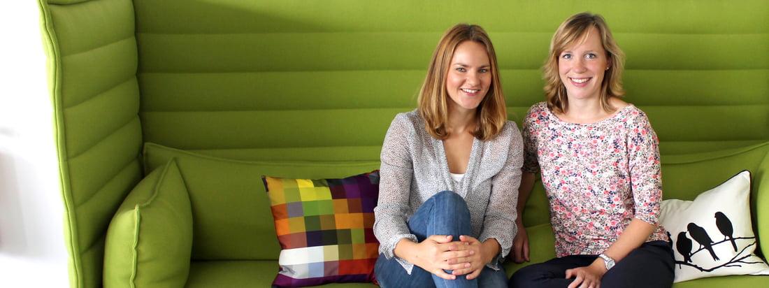 Anja und Sabrina kümmern sich um den Connox Wohndesign-Blog. Anja kommt aus dem Marketing, Sabrina arbeitet im Sortimentsmanagement.