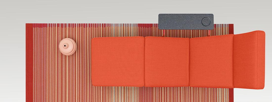 Das niederländische Unternehmen Danskina produziert moderne und hochwertige Teppiche. Der bunt gemusterte Teppich ist handgewebt und individuell kombinierbar.