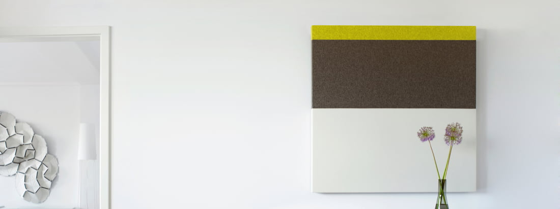Die Akustikpaneele der Connox-Edition #1 von acousticpearls zeichnen sich durch dezente Farben mit kleinem Farbakzent im Streifen-Design aus. Die Paneele sind quadratisch und haben die Masse 120x120 cm.