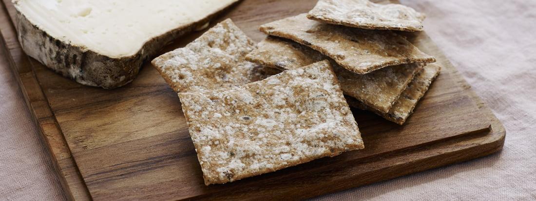 Plank Schneidebrett (4er-Set) von Skagerak: Das Plank Schneidebrett eignet sich für Snacks, als rustikal Servierplatte oder für das Butterbrot zwischendurch.