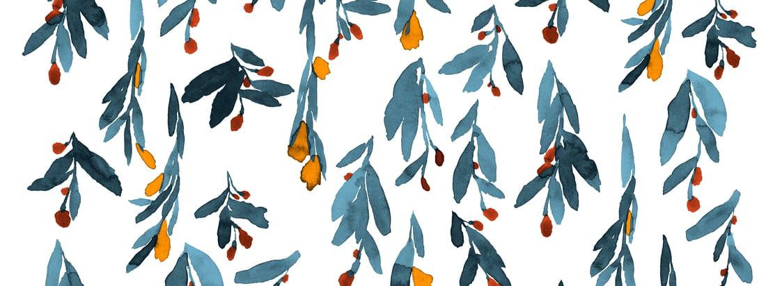 Die zarten Aquarellfarben der Blüten und Blätter scheinen förmlich zu verlaufen und verleihen dem Hyhmä-Muster von Marimekko so einen dynamischen Ausdruck.