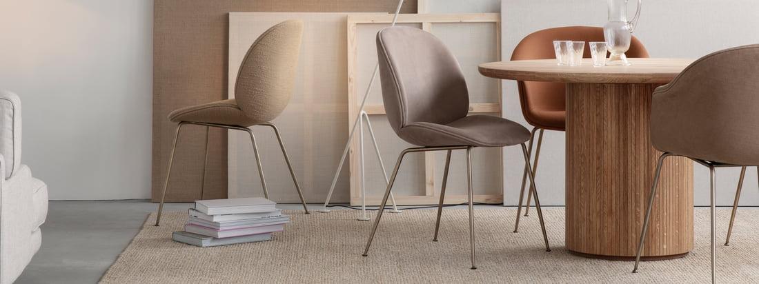 Ob im Büro, Zuhause, ob drinnen oder draussen, ob zum Essen, Entspannen oder Arbeiten: Der Beetle Stuhl verspricht mit seiner stabilen Hülle und seinem weichen und komfortablen Inneren zeitlosen Sitzkomfort.