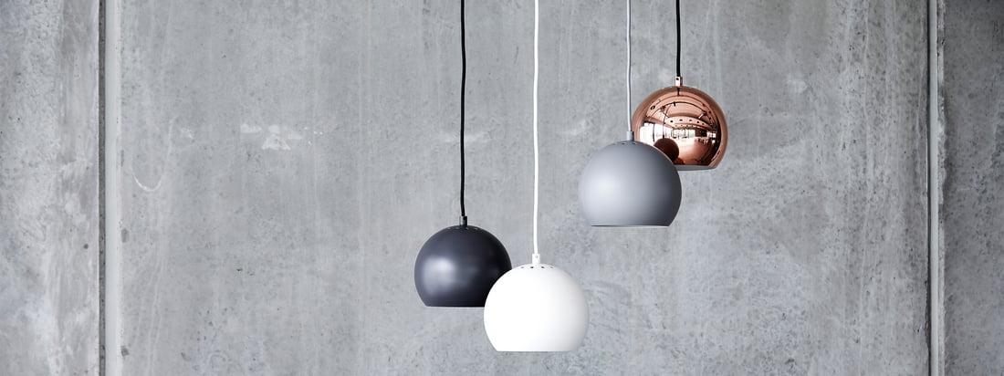 Die Ball Leuchten-Serie ist ein zeitloser Klassiker des skandinavischen Leuchtendesigns. 1986 von Benny Frandsen entworfen, verfolgte der Original-Entwurf ein simples Ziel: Licht ins Dunkel zu bringen, und das auf stilvolle Art und Weise.