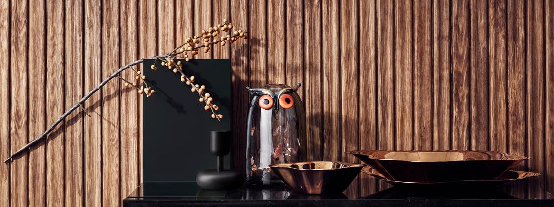 Ob als aussergewöhnliche Obstschale, zum Anrichten von Snacks oder als dekoratives Element für sich allein stehend - die flache Schale zieht in jedem Fall alle Blicke auf sich.