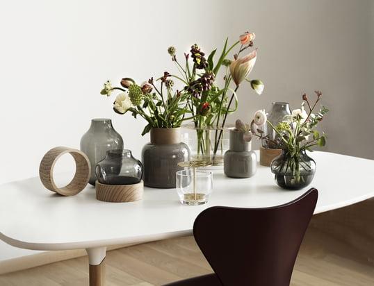 Hier finden Sie Schalen , Kerzenständer, Vasen, und anderes, das Ihren Tisch dekoriert...