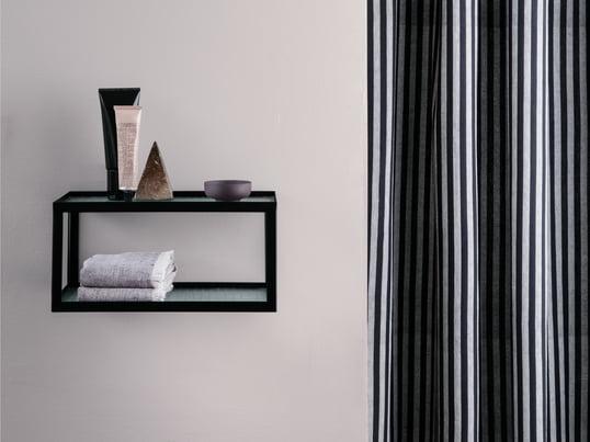 Der Kali Spiegelschrank von Authentics bietet stilvolle Ablagefläche für Ihre Bad-Utensilien. Ergänzen Sie den Badezimmerschrank um Design-Accessoires wie den Kali Zahnbürstenbecher, den Abfalleimer, die Seifenschale, den Kali Becher oder weitere Badezimmer-Deko.