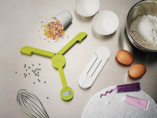 Beim Backen ist es wichtig, dass die Zutaten in dem perfekten Verhältnis zueinander stehen. Nur so gelingt der perfekte Teig. Ein praktischer Helfer ist eine Küchenwaage.