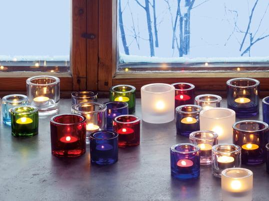 Die Kivi Teelichthalter von Iittala bringen das Kerzenlicht durch ihre vielfältigen Farben und ausdrucksstarken Formen wunderschön zur Geltung. Die Farben und Formen können gut miteinander kombiniert werden.