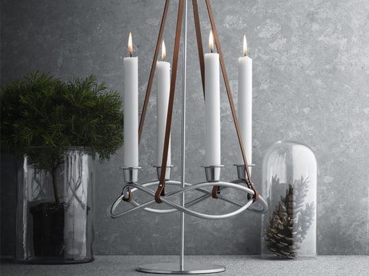 Der Season Kerzenhalter von Georg Jensen ist nicht nur für die Adventszeit ein schönes Accessoire für Ihren Wohnbereich. Sie können ihn zu jeder Jahreszeit anpassen, indem Sie ihn einfach mit farblichen Kerzen bestücken.