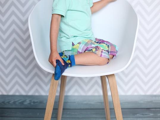 Der About A Chair AAC 22 von Hay ist bewusst einfach und schlicht gehalten. Er wurde von Hee Welling designt und besticht durch eine edle Verarbeitung.