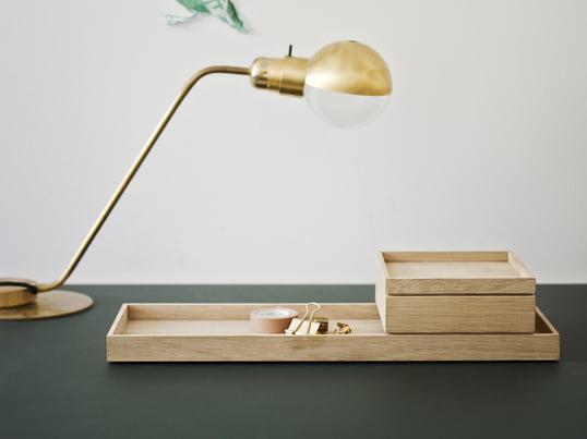 Skagerak hat gemeinsam mit dem Designertrio VE2 die Nomad Serie gestaltet. Die Nomad Aufbewahrungsbox mit Deckel aus Eichenholz ist eine flexible und mobile kleine Kiste für verschiedene Bereiche im Haushalt.