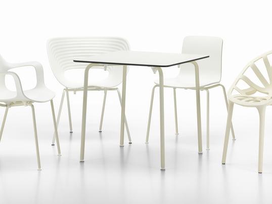 Die limitierte White Collection von Vitra legt den Fokus auf Designklassiker und zeitgenössische Stühle und Tische für den Innen- und Aussenbereich. Die Möbel kreieren ein Gefühl von Helligkeit und Leichtigkeit.