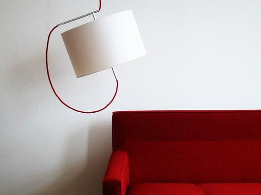 Steng Licht: Mit traditioneller Handwerkskunst und technischem Know-how entstehen hochwertige und ausgefallene Design-Leuchten, wie die Re-Light Pendelleuchte.