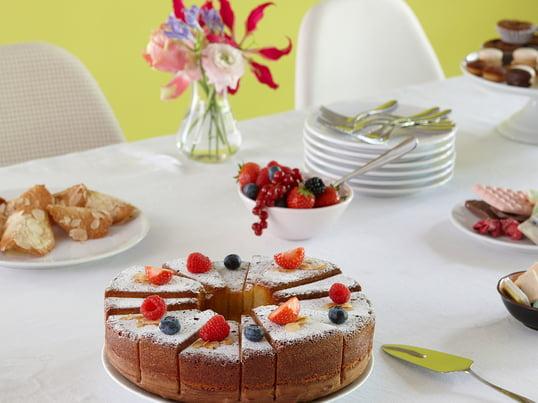 Mit der SL14 Kuchenform von design3000 für Konstantin Slawinski zaubern Sie leckere XL Torten und Kuchen herbei, die ungewöhnlich aussehen und bereits in unterschiedlich große Portionen eingeteilt sind.