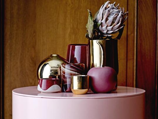 Die Deko-Kirsche von Bloomingville in Rose steht in Japan für Reinheit, Schönheit und Glück und ist als Dekorationsobjekt für den Flur, das Wohnzimmer, die Küche und viele weitere Räume geeignet.