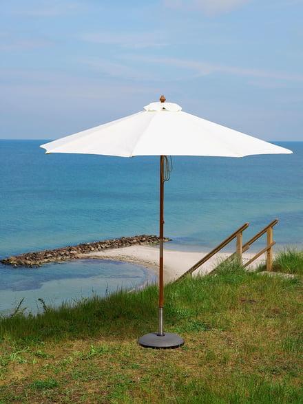Skagerak Catania Design-Sonnenschirm in Weiss