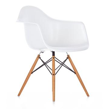 Vitra - Eames Plastic Armchair DAW, Ahorn gelblich / weiß, Filzgleiter