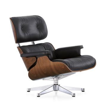 Vitra Lounge Chair in Nussbaum