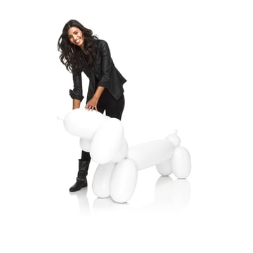 Fatboy - Inflatable Hot Dog, weiss - mit Person