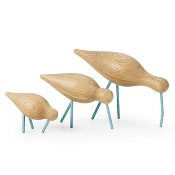 Shorebird von Normann Copenhagen in Eiche mit Stahl in Sea Blue