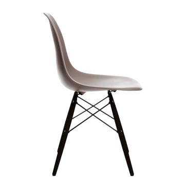 Vitra - Eames Plastic Side Chair DSW, Ahorn schwarz / mauve grau, Filzgleiter schwarz