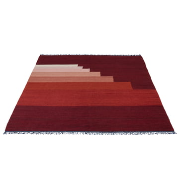 Another Rug AP4 Teppich von &Tradition in Red Vulcano