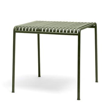 Der Palissade Tisch von Hay in olive - quadratisch mit einer Grösse von 80 x 80 cm