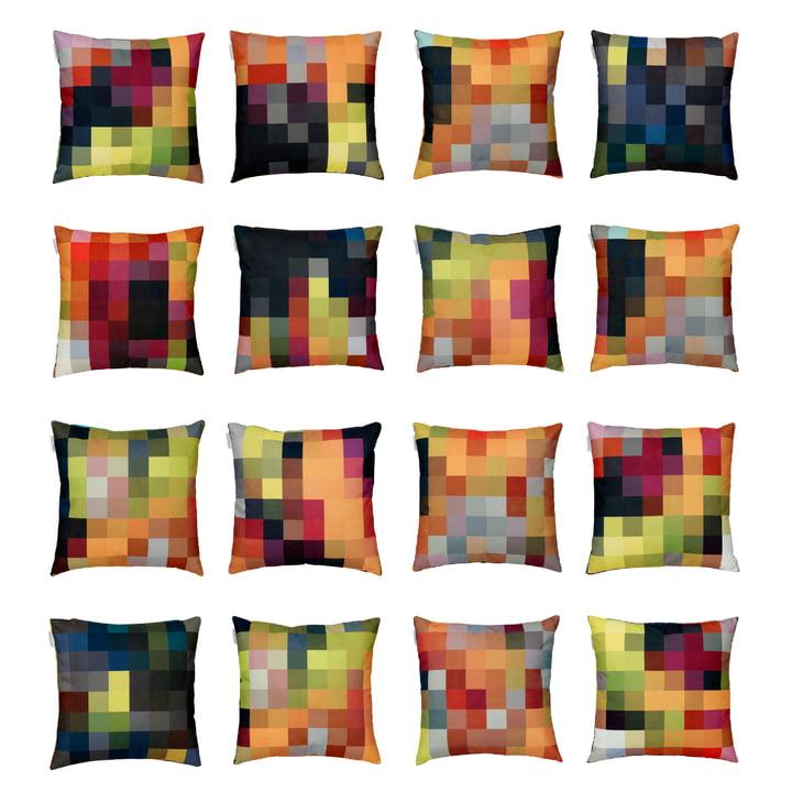 Design-Dekokissen mit farbenfrohem Pixelmuster