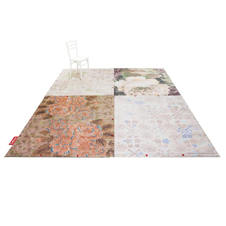 fatboy - non flying carpet, Gruppe mit Stuhl
