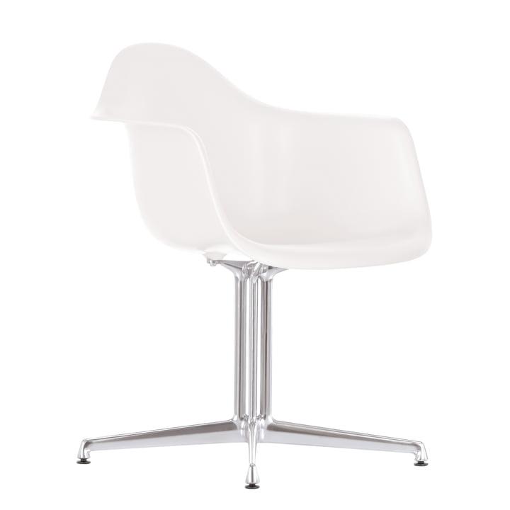 Eames Plastic Armchair DAL von Vitra in weiss mit Filzgleitern