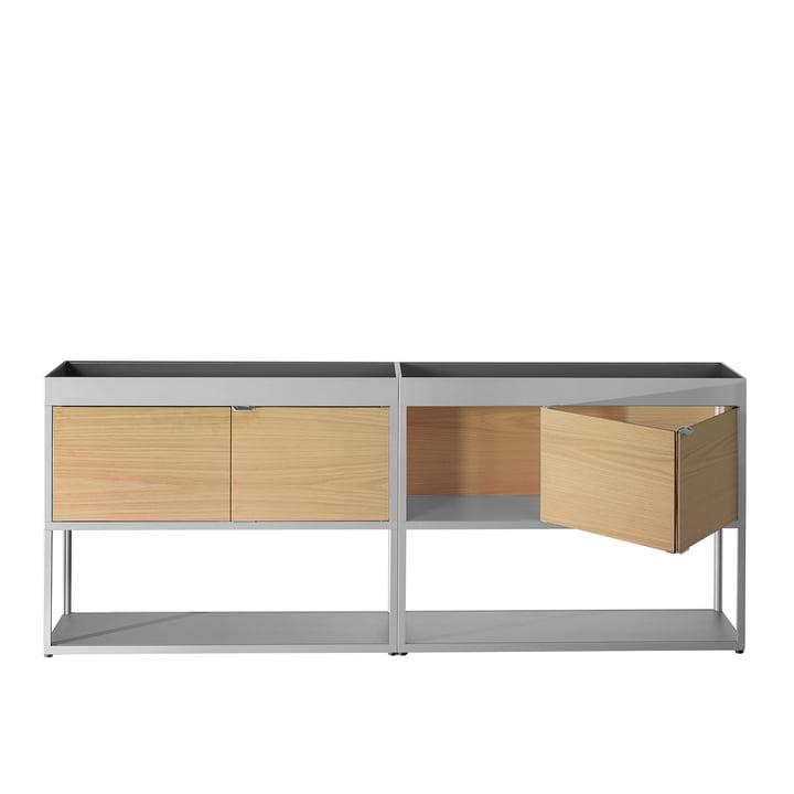 Hay - New Order Sideboard, doppelt mit Ablage, hellgrau mit Eichenholztüren