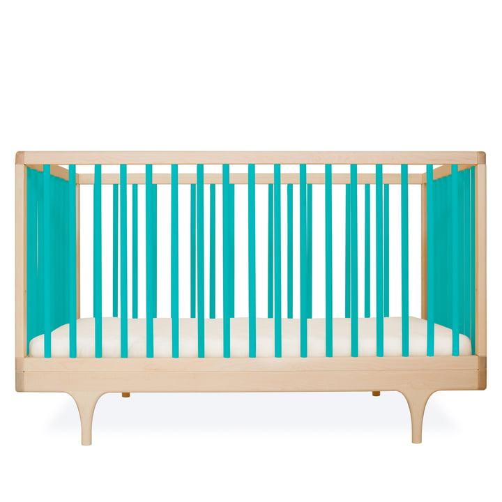 Babybett Caravan Crib von Kalon aus Ahorn in Blau