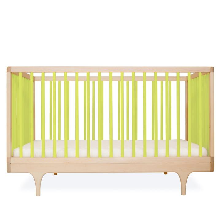 Babybett Caravan Crib von Kalon aus Ahorn in Grün