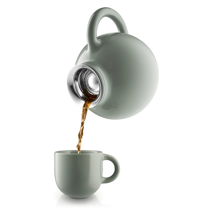 Globe Teekanne und Tasse von Eva Solo