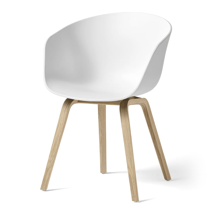 About A Chair AAC 22 von Hay in Eiche matt lackiert / weiss